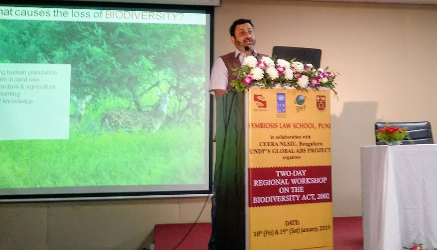 Dr. Gurudas Nulkar, Member University Biodiversity Committee during the conference on Biological Diversity Act on January 19, 2019 addressing the crowd about Water body restoration- Case Study